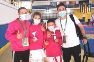 El Club de Kárate Kanku regresa a la competición con quince medallas en los Campeonatos de Andalucía