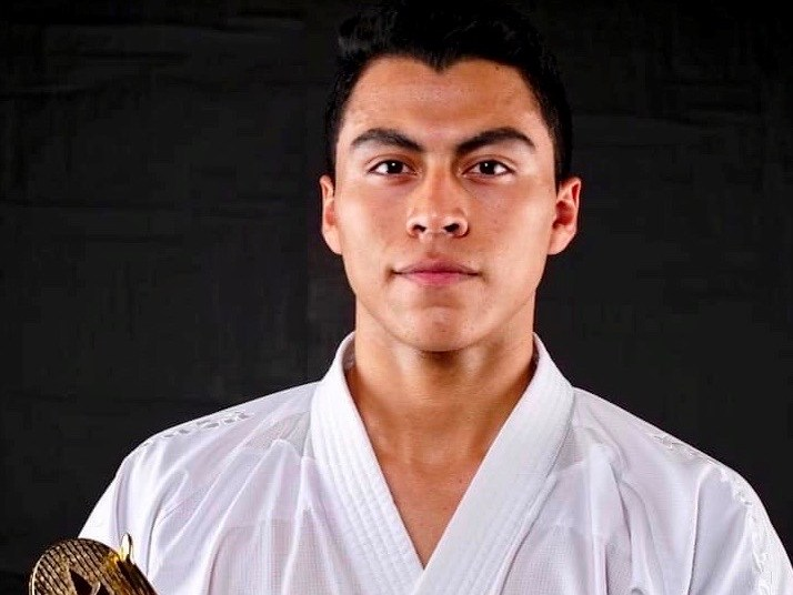 El karateka salvadoreño enfrentó a campeones mundiales en el campeonato de Madrid Cadete Junior sub -21