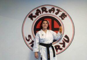 Miriam Calvo, subcampeona de España, anima a las mujeres a practicar karate