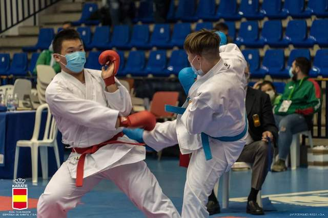 Cinco deportistas del Club Kárate Águilas participan en el Campeonato de España por Autonomías
