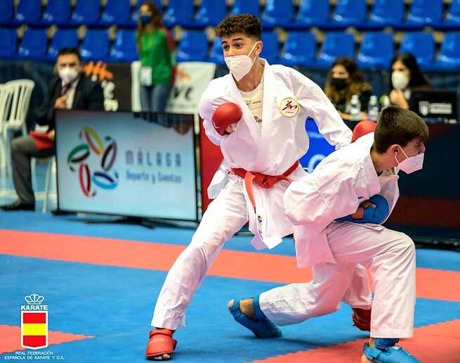 Rubén Molina gana la medalla de plata en el campeonato de España de Karate