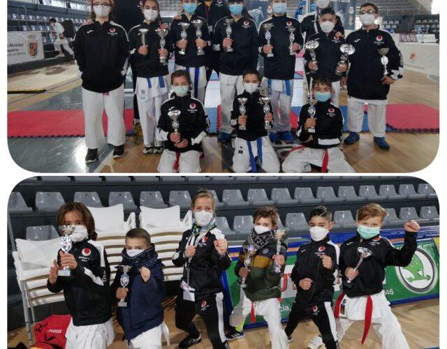 Diecinueve medallas para los karatecas del Shotokan Tora 0 (0)