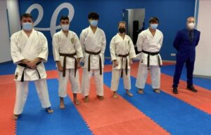 Nueve nuevos cinturones negros al karate andorrano