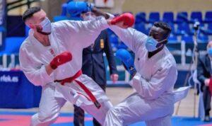 El Club Karate Paterna medalla de plata en la Liga Nacional Senior