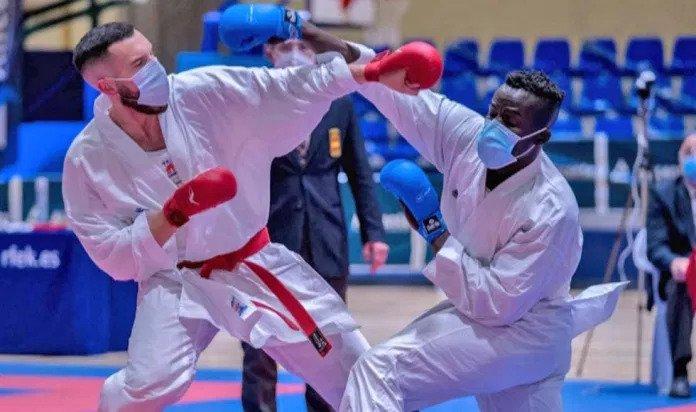 El Club Karate Paterna medalla de plata en la Liga Nacional Senior 0 (0)