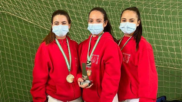 Tres platas del 'Manuel Benavides' en el Campeonato de Andalucía senior de kárate 5 (1)