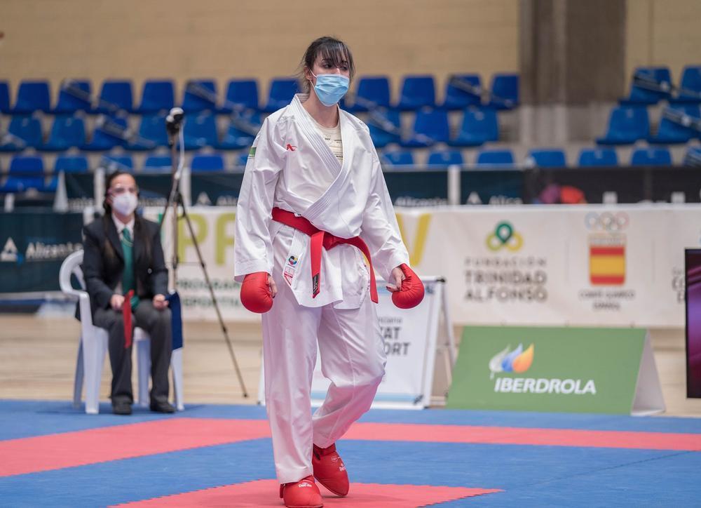 Varios karatecas provinciales, con el equipo nacional