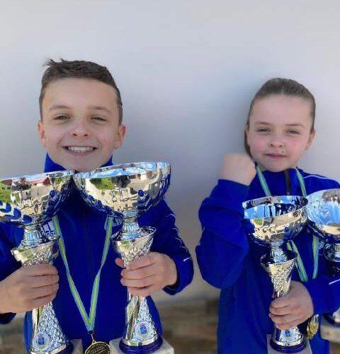 Los hermanos Izan e Inara Álvarez ganaron el Campeonato de Asturias Infantil de Kárate 0 (0)