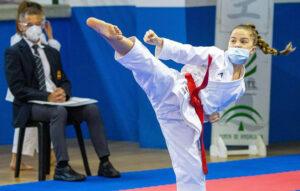 El karate utrerano consigue ocho medallas en el circuito andaluz