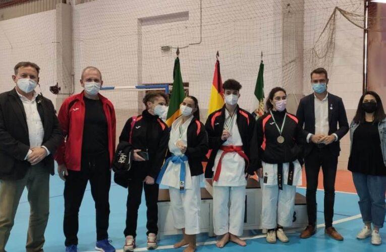 El Club de Karate Jaraíz consigue tres medallas en el Campeonato de Extremadura 0 (0)