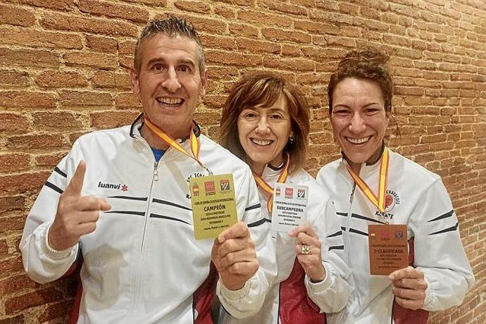 Tres medallas para Etxabakoitz 0 (0)