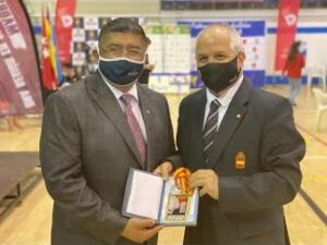 Federación Española de Karate estimula al sensei Oswalds Mata