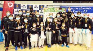 El Karate Club San Vicente se estrena en la Copa de España con 14 medallas