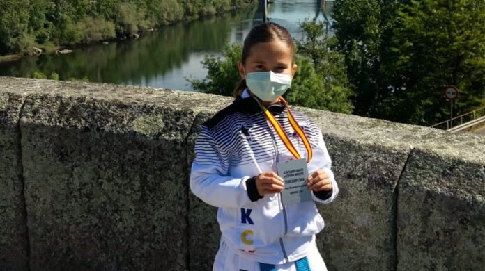 Sara García, subcampeona de España benjamín de kárate 0 (0)