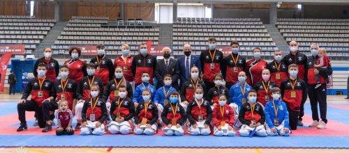 Lluvia de medallas a los deportistas locales en el I Campeonato Nacional por estilos de Karate 0 (0)