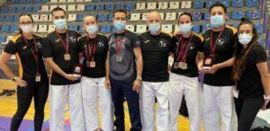 El Karate Club San Vicente logra 6 medallas en el autonómico de veteranos