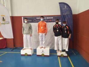 El Tony Sport de Tomelloso se trae ocho medallas del Regional Escolar y Sub-21 de Karate