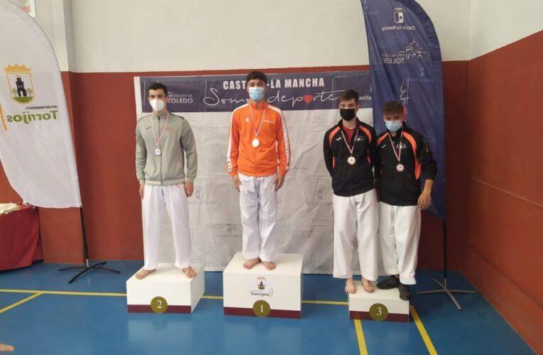 El Tony Sport de Tomelloso se trae ocho medallas del Regional Escolar y Sub-21 de Karate 0 (0)