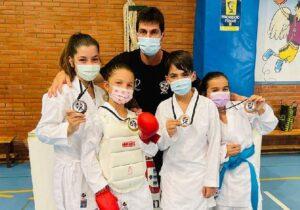 Cincuenta karatecas participan en el 'Torneo Ciudad de Ceuta'