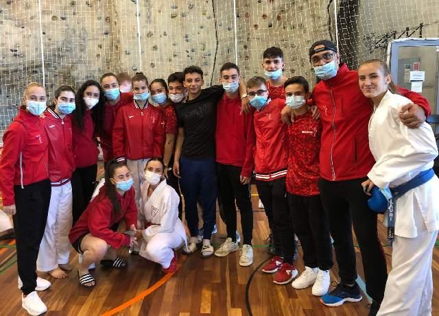 El Club Karate Nokachi Les Franqueses del Valés obtiene 15 medallas en el campeonato de Cataluña de Karate